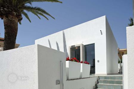 Coastal villas and houses for rent in Sicily. Villa - Marina di Modica, Sicily, Italy