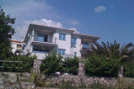 Houses with pools by the sea for sale in Croatia. First-class modern villa in Kostrena