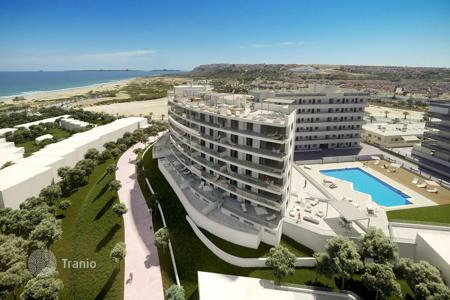 Bank repossessions apartments in Europe. Comfortable apartment with a sea view, Arenales del sol, Spain