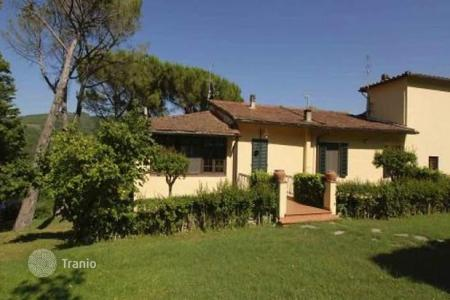 Luxury 4 bedroom apartments for sale in Tuscany. Apartment – Fiesole, Tuscany, Italy