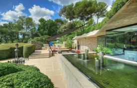 Residential for sale in Saint-Paul-de-Vence. Saint-Paul de Vence — Unique contemporary villa