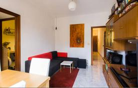 Cheap 3 bedroom apartments for sale in Barcelona. Three bedroom apartment near Parc Guell, Barcelona, Gracia district