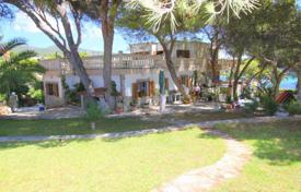 5 bedroom houses for sale in Balearic Islands. Villa – Balearic Islands, Spain
