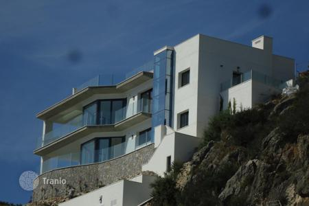 3 bedroom houses for sale in Balearic Islands. Modern villa in Santa Ponsa, seaviews
