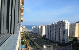 2 bedroom apartments by the sea for sale in Benidorm. Two-bedroom apartment in a residential complex with a swimming pool near the sea in La Cala, Benidorm