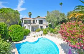 Property for sale in Côte d'Azur (French Riviera). Villa – Antibes, Côte d'Azur (French Riviera), France