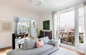 Luxury 5 bedroom apartments for sale in France. Paris 6th — Triplex apartment