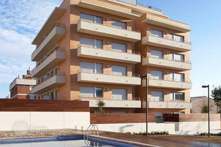 Residential for sale in Mataro. Three-bedroom apartment in a new building with pool and parking in Mataro, Costa Maresme, Spain