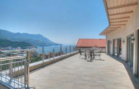 3 bedroom apartments by the sea for sale in Montenegro. Penthouse with breathtaking panoramic view