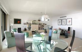 Luxury 3 bedroom apartments for sale in Monaco. Apartment with 2 terraces and parking, near the Jardin Exotique, Monaco