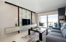3 bedroom apartments for sale in Valencia. Apartment with a sea view in a residential complex with a garden, swimming pools, a jacuzzi and a playground, Punta Prima, Spain