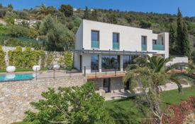 4 bedroom houses for sale in Nice. Three-storey villa with an infinity pool, a terrace and a sea view, Nice, France