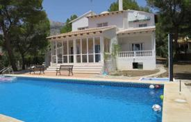 Houses for sale in Altea Hills. Elegant villa with a panoramic view of Costa Blanca, on a plot with a pool and a barbecue ground, Altea Hills, Valencia