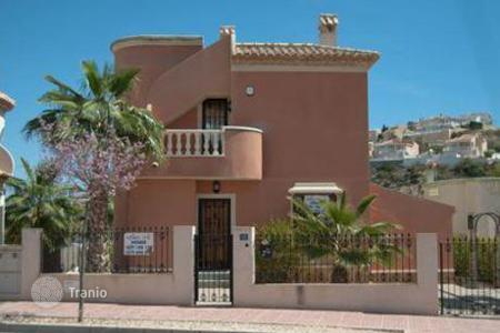Cheap property for sale in Quesada. Villa – Quesada, Andalusia, Spain
