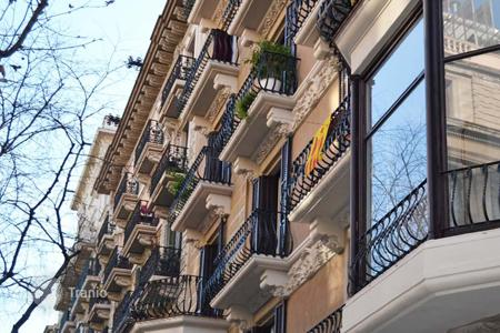 Property for sale in L'Eixample. Spacious apartment in the Eixample, Barcelona