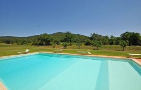 Cheap apartments for rent with swimming pools overseas. Apartment – Marsiliana, Tuscany, Italy