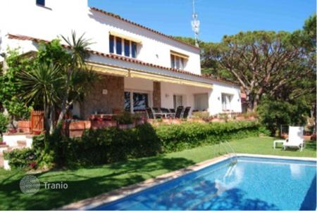 5 bedroom houses for sale in Costa del Maresme. Townhome – Cabrils, Catalonia, Spain