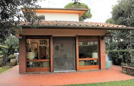 3 bedroom houses by the sea for sale in Lucca. Villa – Pietrasanta, Tuscany, Italy