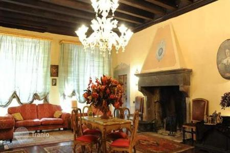 3 bedroom houses for sale in Lucca. Villa – Lucca, Tuscany, Italy