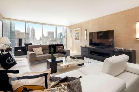 Luxury 1 bedroom apartments for sale overseas. Apartment overlooking the center of Manhattan, in one of the most prestigious residential complexes in the world! Midtown, New York