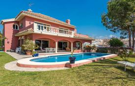 Houses for sale in Puerto Banús. Four-level villa overlooking the sea in Puerto Banus, Costa del Sol, Spain