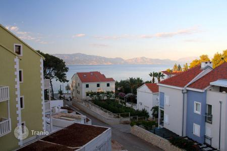 1 bedroom apartments by the sea for sale in Montenegro. Comfortable apartment with sea views in Sutivan, Brac island