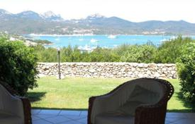 3 bedroom apartments for sale in Sardinia. Apartment with terrace, garden and sea views near Porto Rotondo, Olbia, Sardinia, Italy