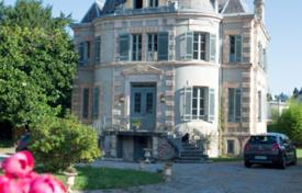 Property for sale in Bagnères-de-Bigorre. Castle – Bagnères-de-Bigorre, South — Pyrenees, France