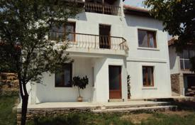 Cheap houses for sale in Bulgaria. Townhome – Veliko Tarnovo (city), Veliko Tarnovo, Bulgaria