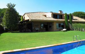 6 bedroom houses by the sea for sale in Catalonia. Villa – Sant Vicenç de Montalt, Catalonia, Spain
