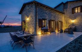 6 bedroom houses for sale in Casalbordino. Property in Casalbordino, Abruzzo. Italy