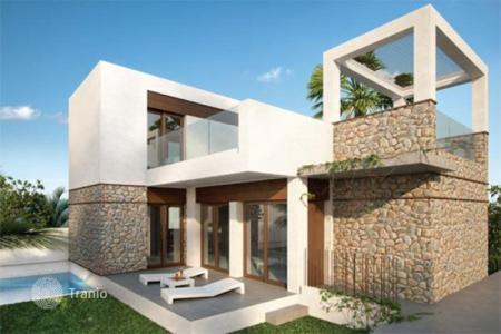 Houses for sale in Dehesa de Campoamor. Villa – Dehesa de Campoamor, Valencia, Spain