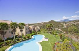 Bank repossessions residential in Spain. Comfortable apartment with sea view, Estepona, Spain