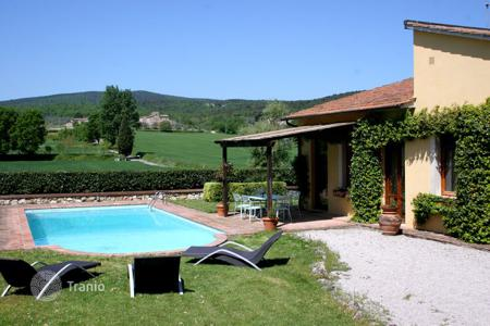 Villas and houses for rent with swimming pools in Monteriggioni. Villa Gianni