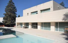 Property for sale in Madrid. Two-storey villa with a pool and a terrace in the district of Aravaca, Madrid, Spain