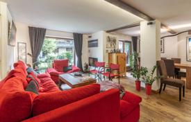 Property for sale in Chamonix. Spacious apartment on the ground floor of the residence, next to the ski slopes, Chamonix, Alpes, France
