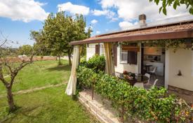 Cosy cottage with a terrace and a large garden, Magliano in Toscana, Italy for 650,000 €