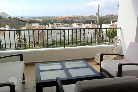 Cheap apartments for sale in Benahavis. Apartment for sale in Los Arqueros, Benahavis