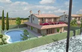 4 bedroom houses for sale in Grosseto (city). Three-storey modern villa near Grosseto, Tuscany, Italy