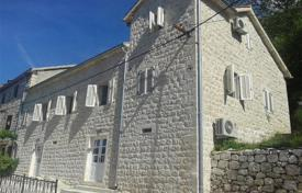 4 bedroom houses for sale in Kotor. Villa – Dražin Vrt, Kotor, Montenegro
