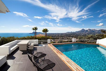 3 bedroom villas and houses to rent in Costa Blanca. Detached house – Altea, Valencia, Spain