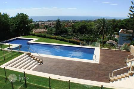 Luxury townhouses for sale in Spain. Town House for sale in Nagüeles, Marbella Golden Mile
