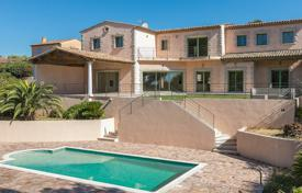 Luxury 5 bedroom houses for sale in Biot. Cannes backcountry — Biot — Impressive residence