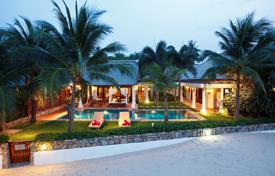 4 bedroom villas and houses to rent in Ko Samui. Villa on the beach in Maenam