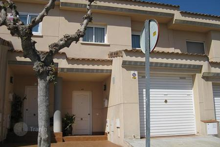 Townhouses for sale in Cubelles. Terraced house – Cubelles, Catalonia, Spain