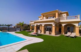Luxury 4 bedroom houses for sale in Canary Islands. Villa – La Caleta, Canary Islands, Spain