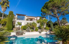 Luxury 5 bedroom houses for sale in Provence - Alpes - Cote d'Azur. Vence — Close to the city center