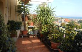 Coastal residential for sale in Tiana. Penthouse duplex for sale in Tiana, spacious and bright. Has 3 terraces of 12 meters each, with spectacular sea views!