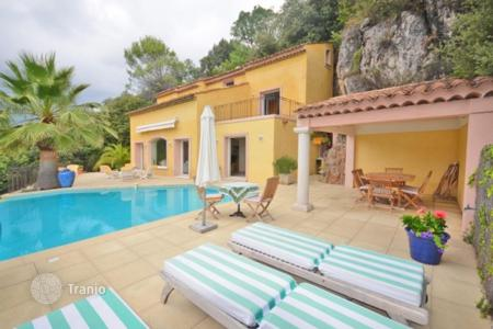 Houses for sale in Vence. Villa - Vence, Côte d'Azur (French Riviera), France