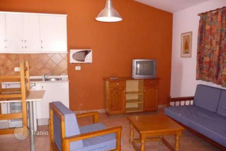 Cheap houses for sale in Gran Canaria. Beautiful bungalow in Campo internacional